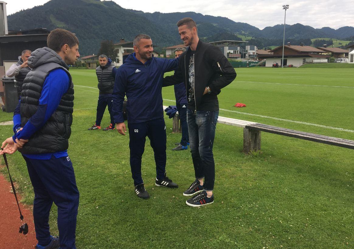 Бывший вратарь Карабаха побывал в лагере клуба - ВИДЕО