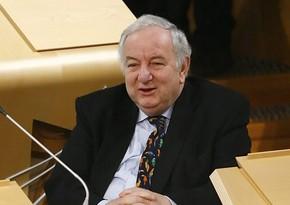 Britaniyalı deputat Azərbaycanı tənqid edənləri ikiüzlü adlandırıb