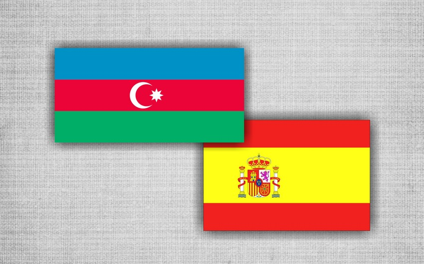 Azerbaijani Defense Minister pays an official visit to Spain