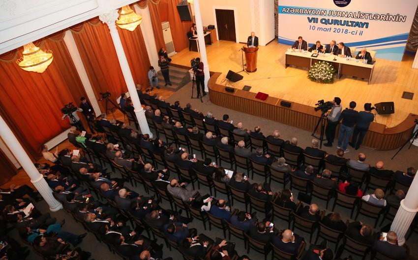 Azərbaycan jurnalistlərinin qurultayından - FOTOREPORTAJ