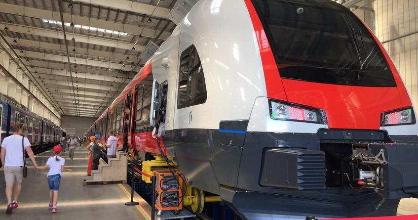 Для  Баку - Тбилиси- Карс - Стамбул получены новые спальные вагоны Stadler