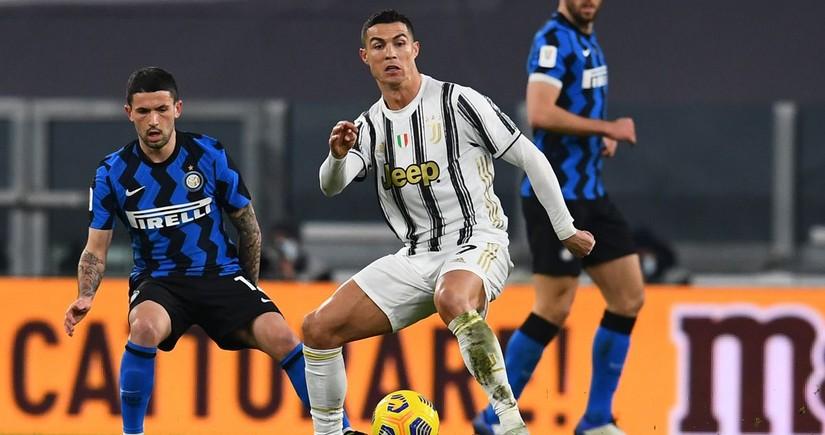 Ювентус, обыграв Интер, поднялся в зону Лиги чемпионов