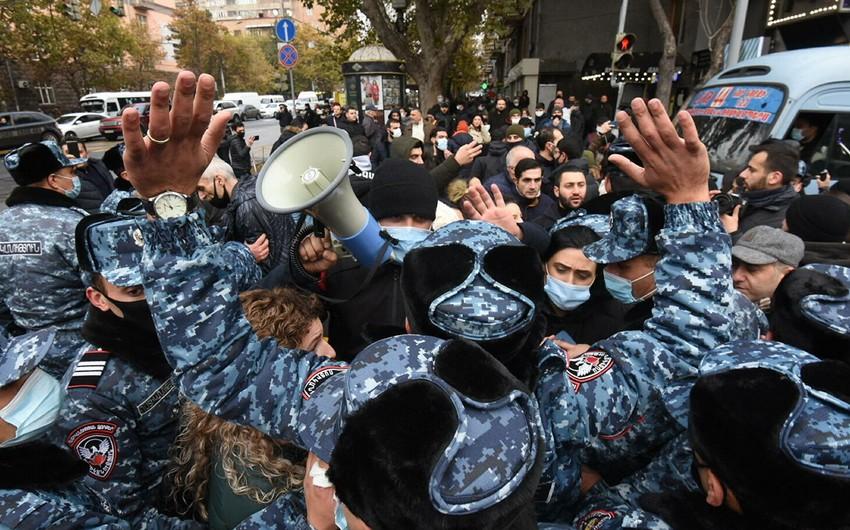 В Армении протестующие выдвинули перед Пашиняном два требования