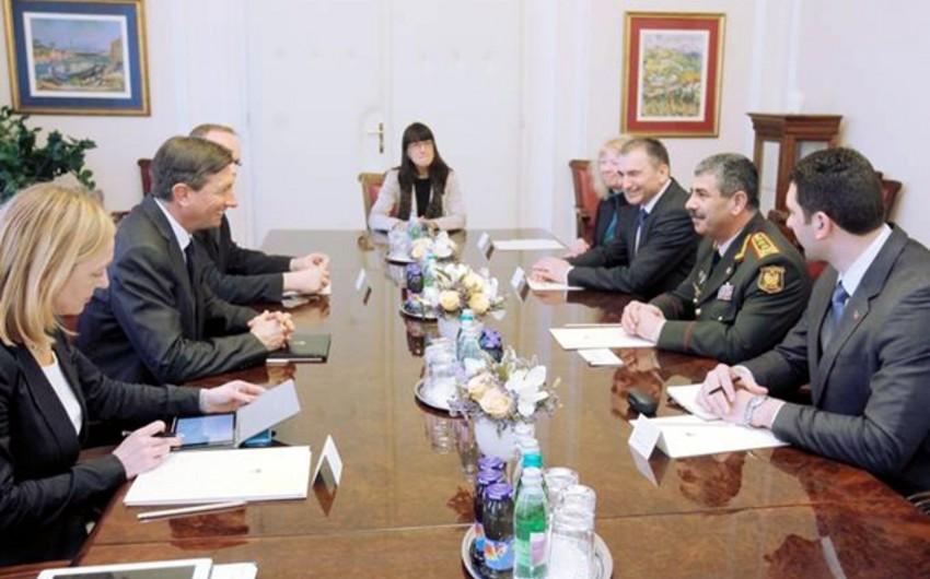 Azərbaycanın müdafiə naziri Sloveniya prezidenti ilə görüşüb