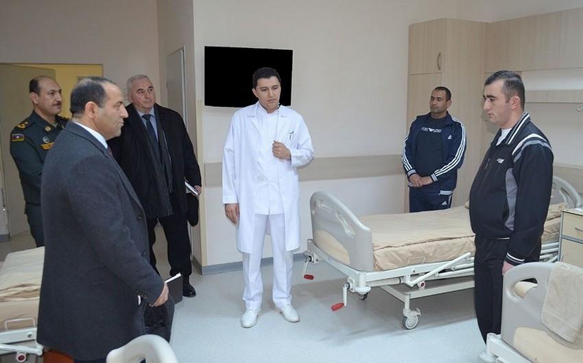 Ombudsman nümayəndələri Silahlı Qüvvələrin hospitalında olublar
