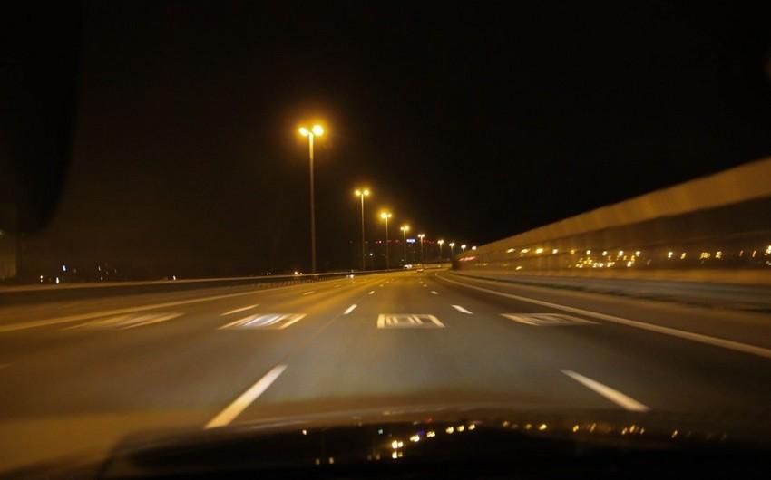 В Баку автомобиль сбил пешехода