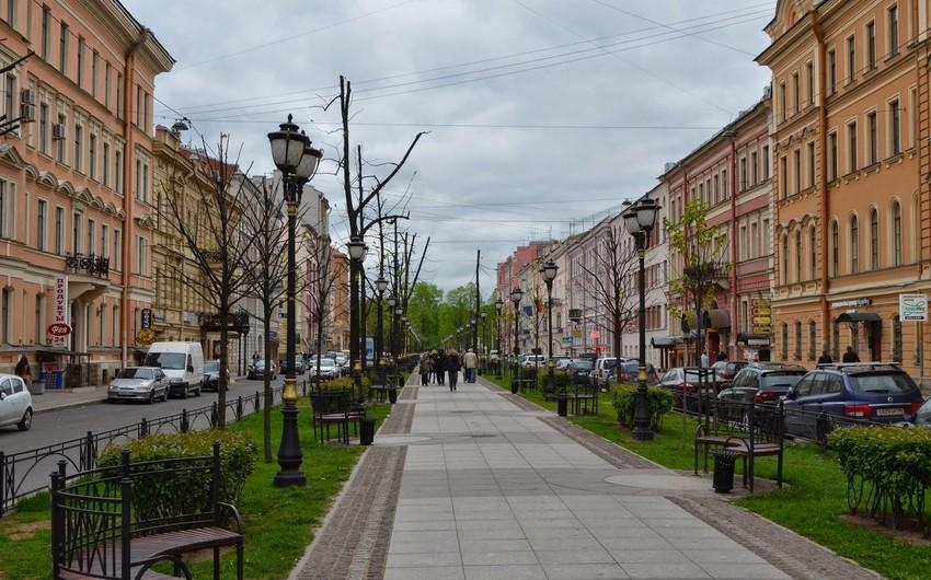 ABŞ diplomatları Sankt-Peterburqdakı avtomobil dayanacağından məhrum edilib