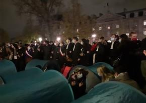 В Париже полиция разогнала расставивших палатки мигрантов