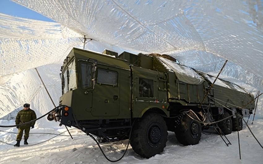 Rusiyada raket qüvvələrinin iri miqyaslı hərbi təlimləri keçirilir