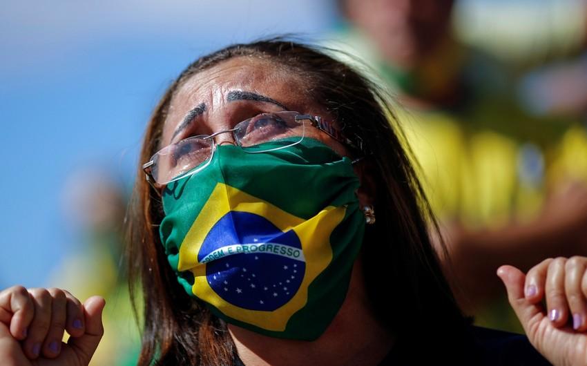 Braziliyada koronavirusa yoluxanların sayı 3,3 milyonu ötdü