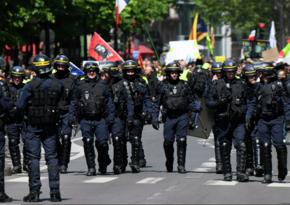 Fransada polis zorakılığı və irqçilik Paris sakinlərini küçələrə çıxardı