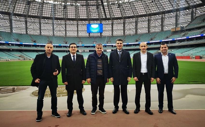 Şenol Güneş visits Baku Olympic Stadium