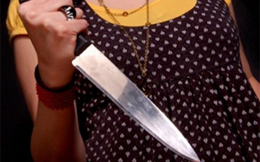 Ağstafada qadın bıçaq qarnına batmış vəziyyətdə xəstəxanaya gətirilib