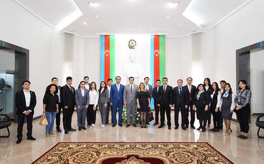"""DTX-da """"Heydər Əliyev və Azərbaycan gəncliyi"""" mövzusunda """"dəyirmi masa"""" keçirilib"""