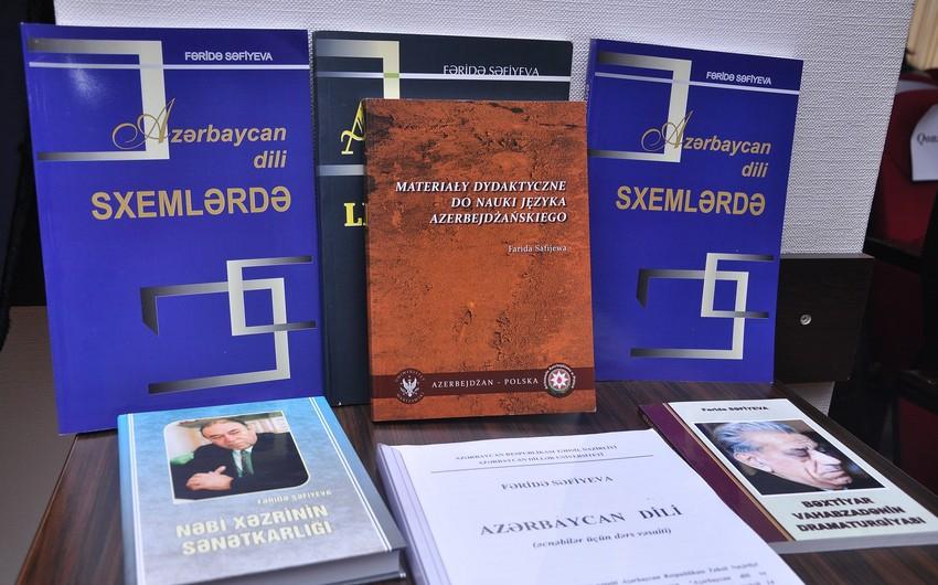 """Azərbaycan və polyak dillərində nəşr olunan """"Azərbaycan dili"""" dərsliyinin təqdimatı olub"""