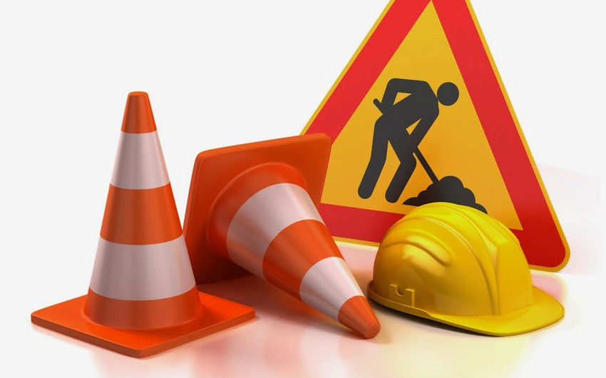 Traffic  on main avenue in Baku city restricted