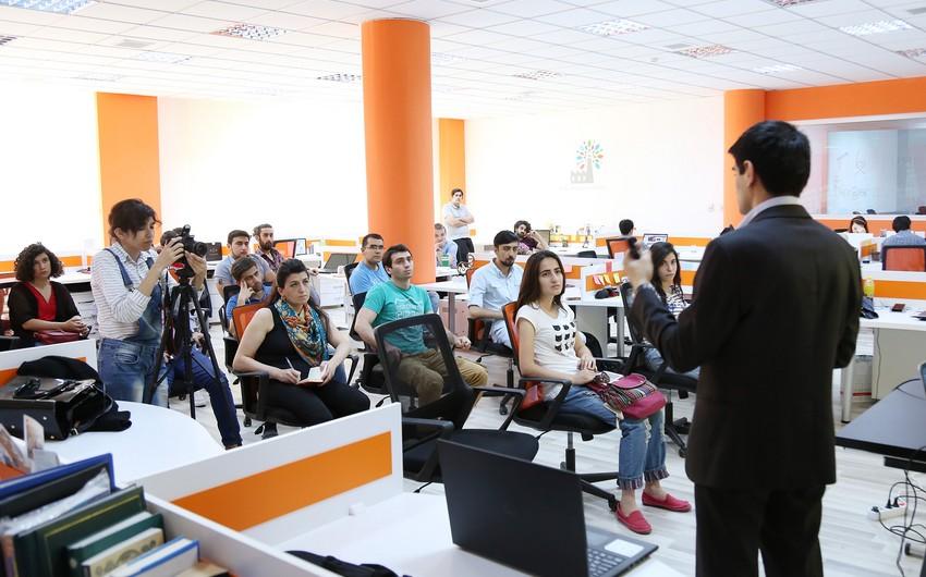 """BBF-də """"Startap və Komanda"""" mövzusunda seminar təşkil edilib"""