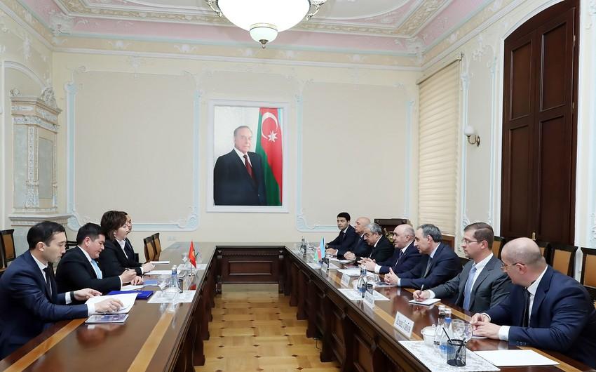 Zakir Qaralov Qırğız Respublikası Baş prokurorunun müavinini qəbul edib