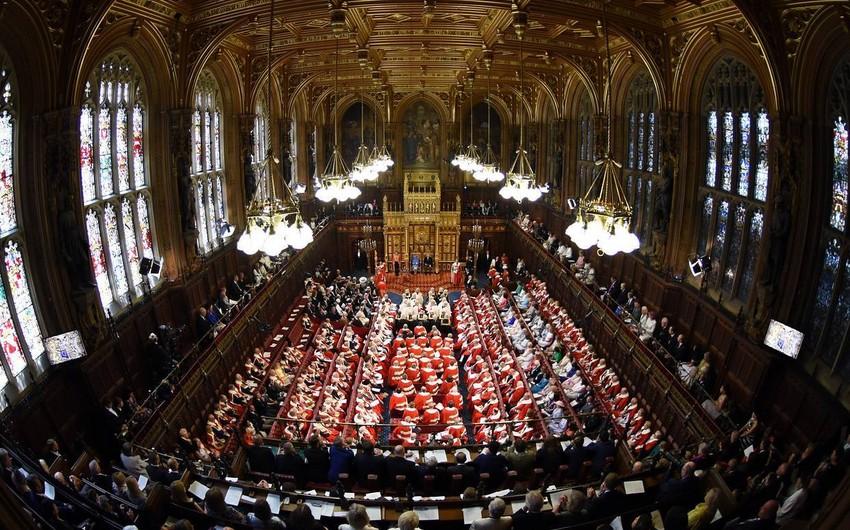 Британский парламент возобновил свою работу, ожидается выступление Джонсона