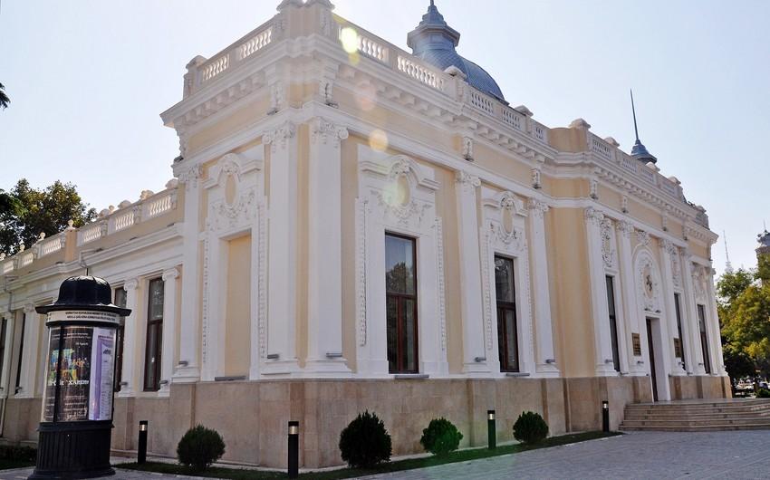Kukla Teatrında yeni tamaşaya ictimai baxış olub