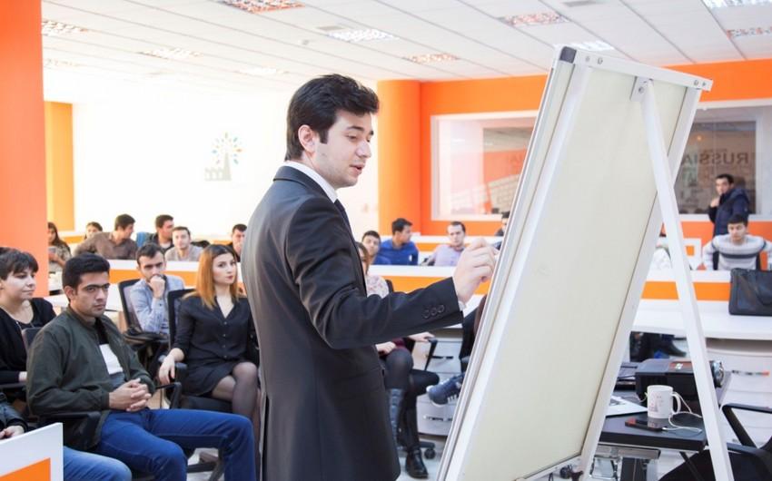 """Baku Business Factory-də """"Startap və Vergi Tənzimləməsi"""" mövzusunda seminar təşkil edilib"""