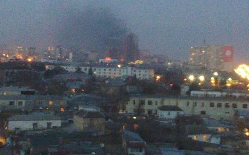 В Баку потушен пожар, произошедший за рынком  в старой бане - ОБНОВЛЕНО - ФОТО - ВИДЕО