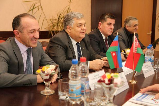 Баку намерен побрататься с городом в Беларуси