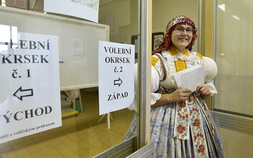 Çexiyada parlament seçkilərində milyarder Andrey Babişin partiyası qalib gəlib - YENİLƏNİB