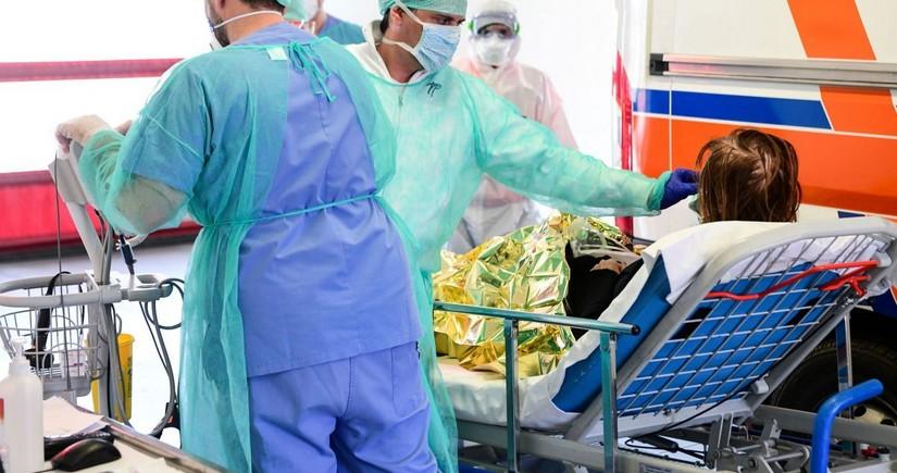 İtaliyada rekord sayda koronavirusa yoluxma qeydə alınıb