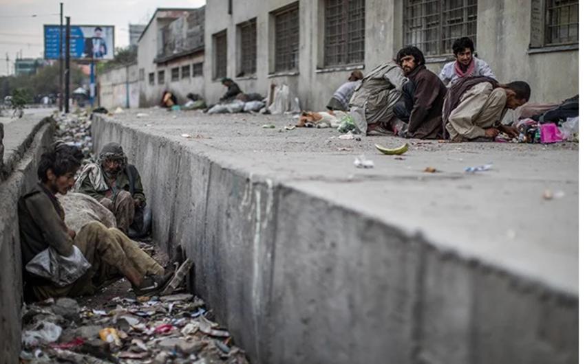 Жители Кабула жалуются на рост цен и дефицит лекарств