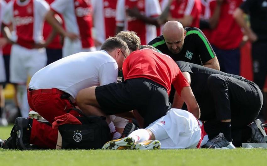 İrlandiyalı futbolçu matç zamanı huşunu itirərək ölüb