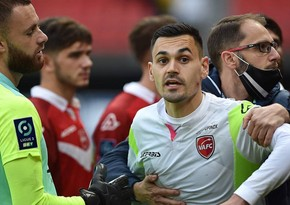 Valenciennes' goalkeeper has face bitten in scuffle