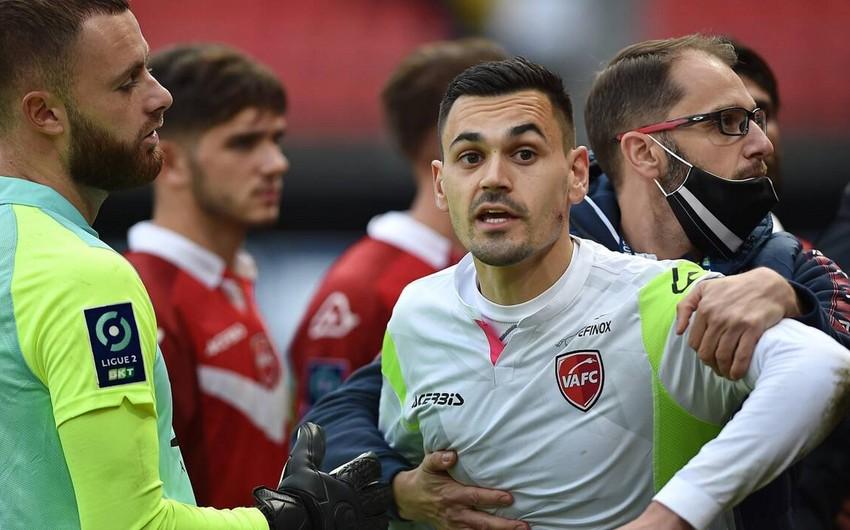 Valenciennes' goalkeeper has face bitten in scuffle