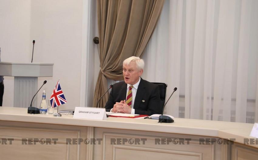 Britaniyanın ixracat naziri: Azərbaycanın suverenliyini, müstəqilliyini müdafiə edirik