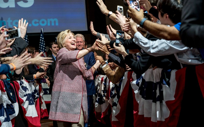Klinton Vaşinqtonda keçirilən ilkin seçkilərdə qalib gəlib