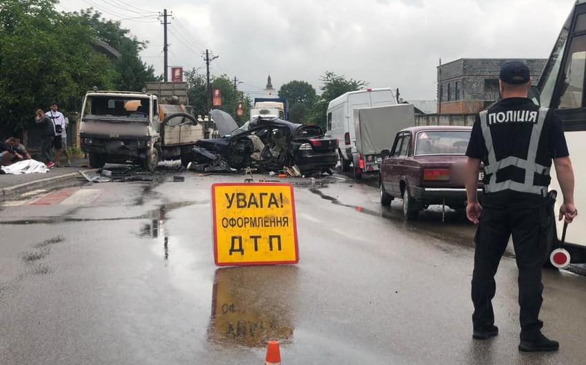 Ukraynalı futbolçu avtomobil qəzasında vəfat etdi