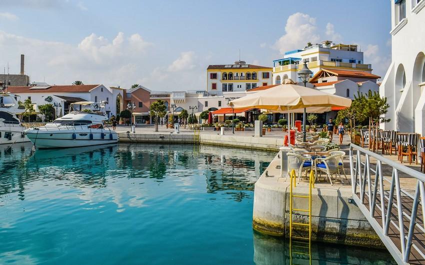 Кипр смягчил ограничения для туристов