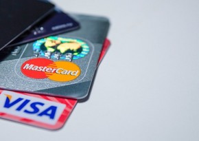 Foreigners' operations via bank cards in Azerbaijan drop threefold