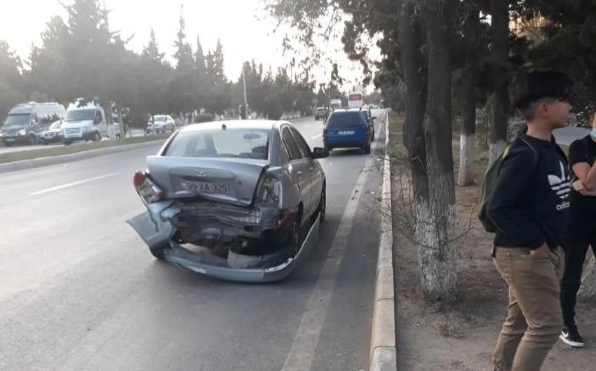 Sumqayıtda üç avtomobil toqquşdu