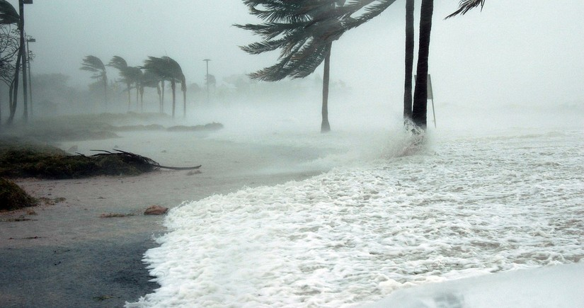 Ураган Сэм в Атлантике усилился до четвертой категории