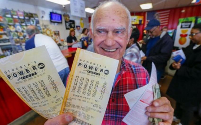 ABŞ lotereyasında 900 milyon dollarlıq cekpotu udan olmayıb