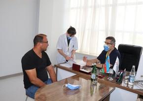 Всемирно известные азербайджанские врачи проводят медосмотр ветеранов войны в Баку