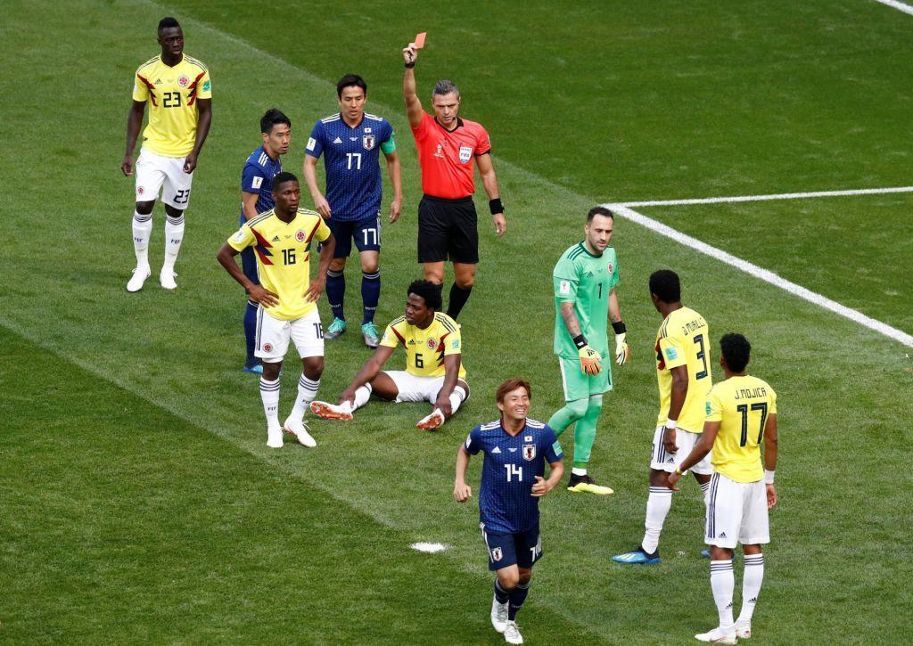 На чемпионате мира показали первую красную карточку