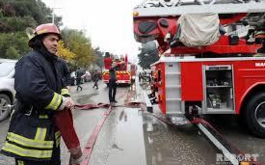 В одной из школ Азербайджана начался пожар, учащимся оказали помощь - ОБНОВЛЕНО