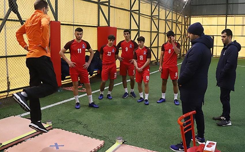 Azərbaycan yığmasının futbolçuları testdən keçib