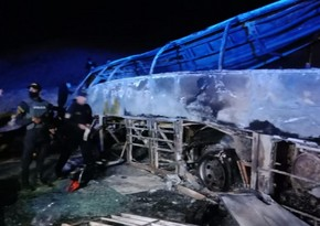 At least 20 killed after bus crashes in Egypt