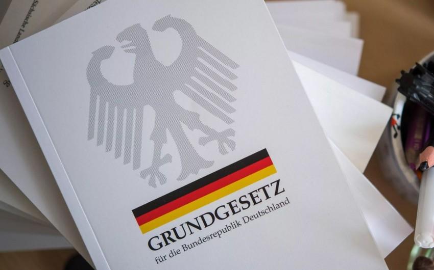 Германия уберет слово расаиз конституции