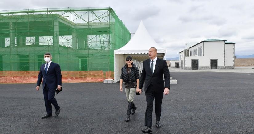 """Zəngilandakı """"Ağıllı kənd""""də 200 ekoloji ev, 4 bina, məktəb və bağça tikilir"""