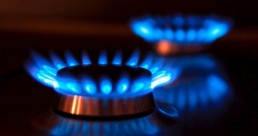 How did natural gas tariffs change in Azerbaijan?