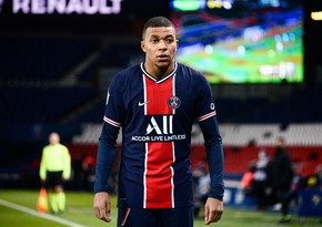 PSG offers Mbappé new contract